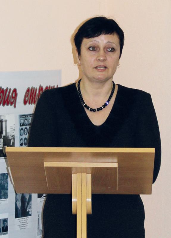 Директор открытой (сменной) школы Наталья Ивановна Куликова