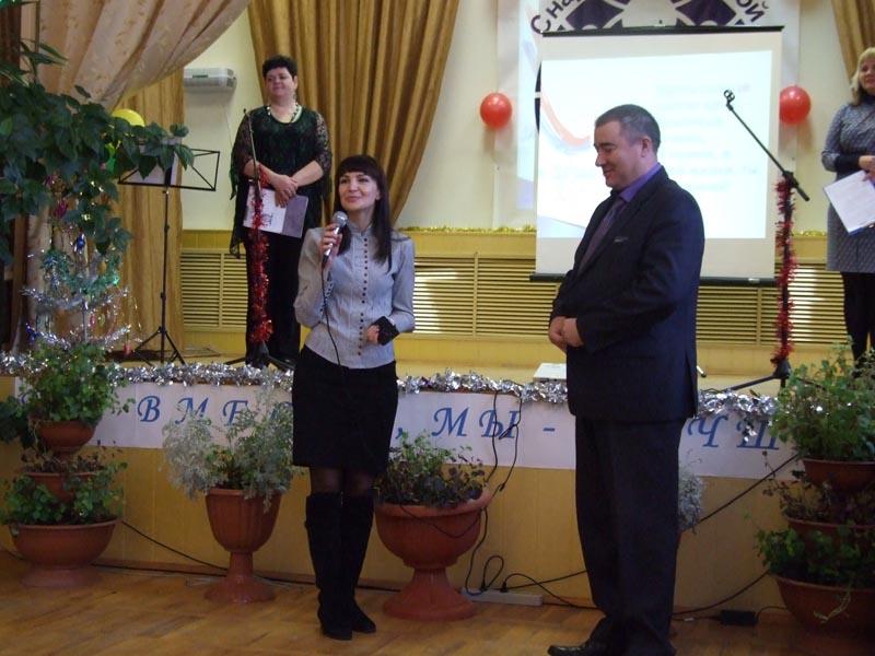 Начальник отдела социального обслуживания населения Д.Е.Данельчук и директор КЦСОН С.В.Купреева