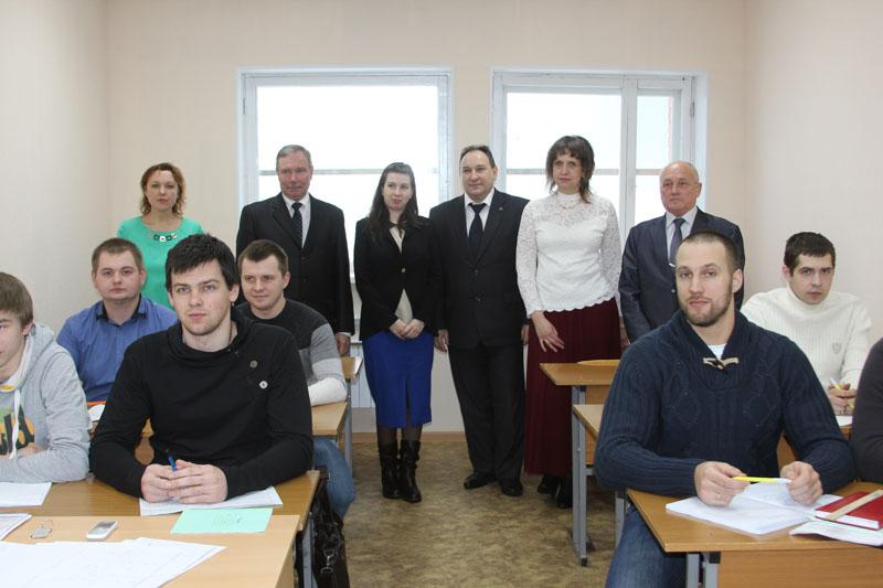 Преподаватели и первые студенты