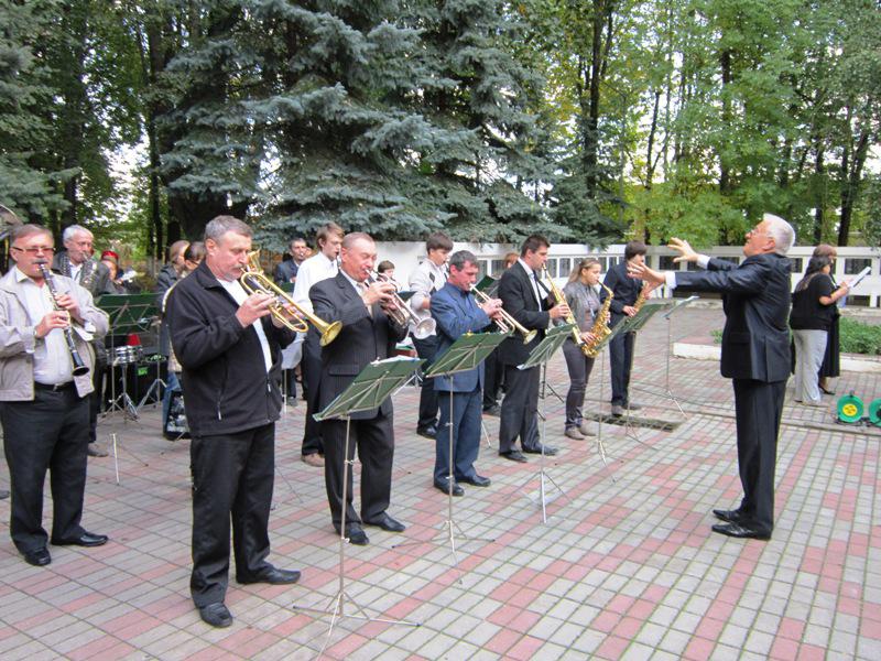 Первое выступление духового оркестра