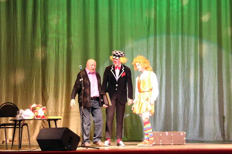 Поздравление от юного клоуна Кирилла Шикова и его помощницы Элоны Кусонской
