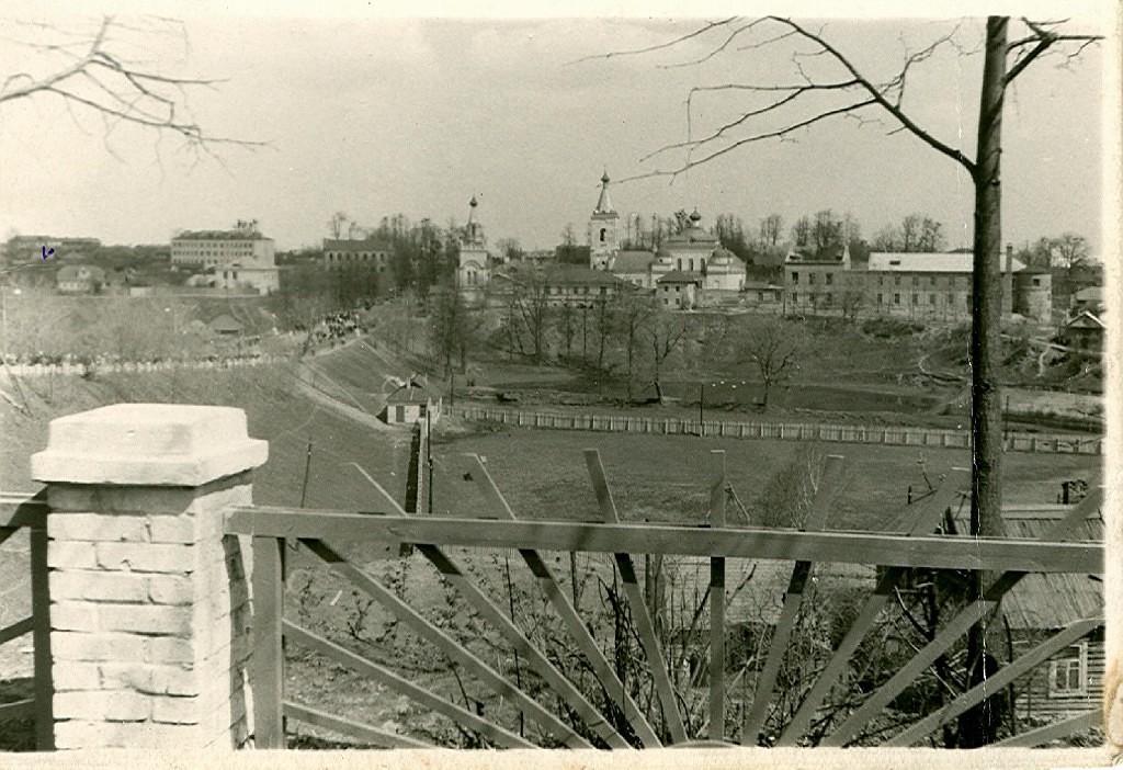 Вид на монастырь и озеро. Фото 50-х гг. XX века. Из коллекции Евгении Прохоровой