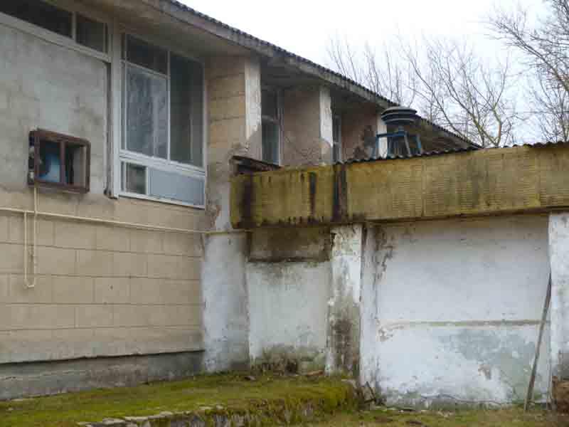 Часть фасада Астапковичского СДК до ремонта